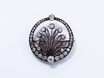 Broche en argent et or 18 K, décorée d'une...
