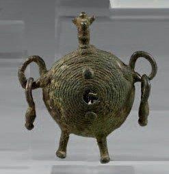 Idole-grelot. Bronze. Art transcaucasien,...