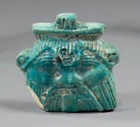 Amulette plaquette représentant un dieu Bès...