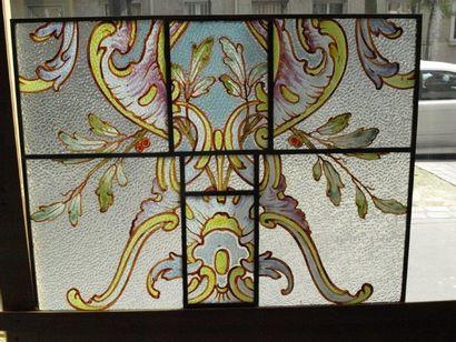 Panneau décoratif en vitrail polychrome sur verre imprimé, émaux, jaune d'argent,...