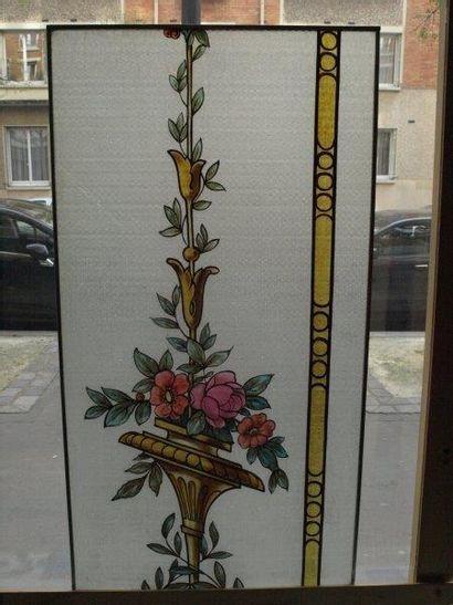 Grand vitrail polychrome sur verre imprimé...