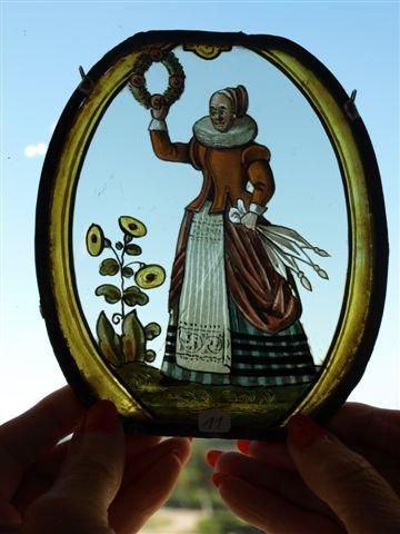 Rondel ovale polychrome, grisaille, jaune...