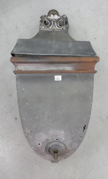 Fontaine en zinc 56 x 29 x 15 cm XIXème ...