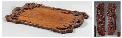 Paire de plaques en bois naturel mouluré...