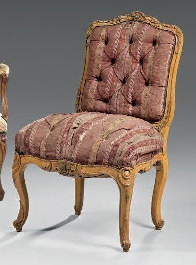 Chaise à dossier plat en bois naturel mouluré...