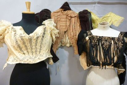 Lot de 8 corsages de robes de bal ou habillées...