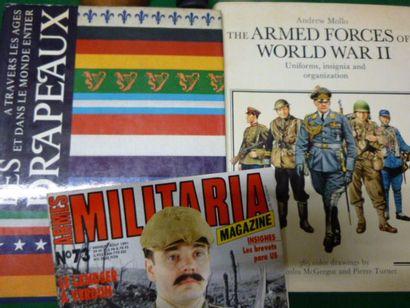Lot de 3 ouvrages Militaria.: The Armed Forces...