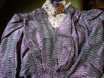 Robe de réception, vers 1890. Soie, taffetas...