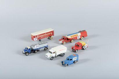Lot de six véhicules de marques diverses...