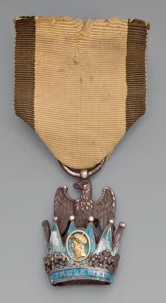 Croix de chevalier de l'ordre de la Couronne...