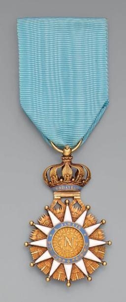 Croix de chevalier de l'ordre de la Réunion...