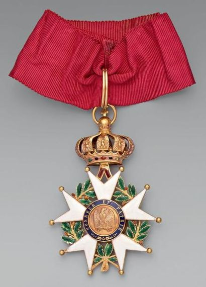 Croix de commandeur en or, émaillée, poinçonnée...