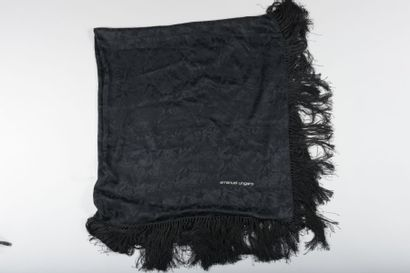 Emmanuel UNGARO  Grand châle carré en soie...