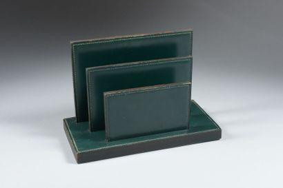 HERMES Porte-lettres en cuir vert H : 20 - L : 29 - P : 14.5 cm