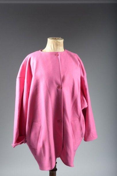 UNGARO  Manteau trois-quarts en lainage rose...