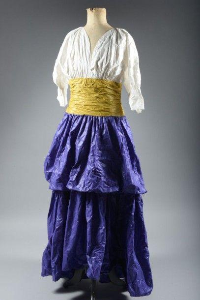 Création LARS Paris, robe longue tricolore...
