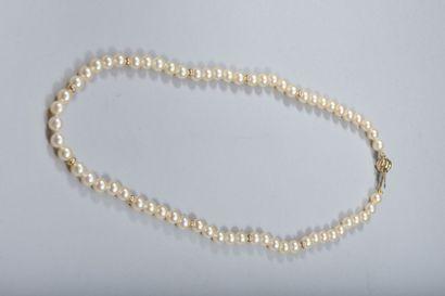 Collier de perles de cultures en chute, intercalaires...