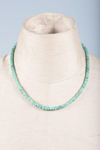 Collier de perles d'émeraude facettées, en...