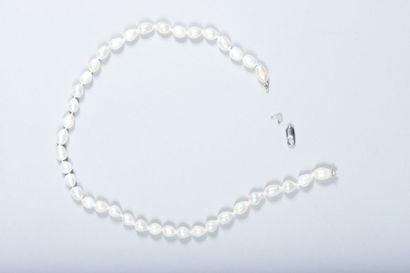 Collier choker de perles baroques d'eau douce,...