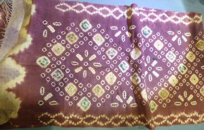 Châle en coton, Tye and die, Cambodge, XXe...