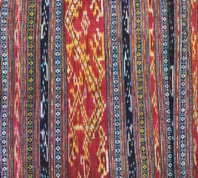 Beau sarong en Ikat de chaîne, Nord Thailande,...