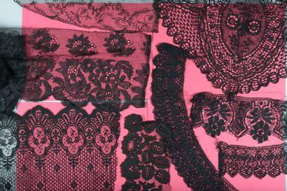 Divers dentelles blanches et noires, lin ou coton, fuseaux, aiguille ou crochet,...
