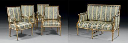 Mobilier de salon comprenant quatre fauteuils...