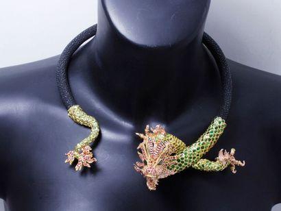 CHRISTOPHE TERZIAN attribué à Étonnant collier ouvrant en vermeil, figurant un dragon,...