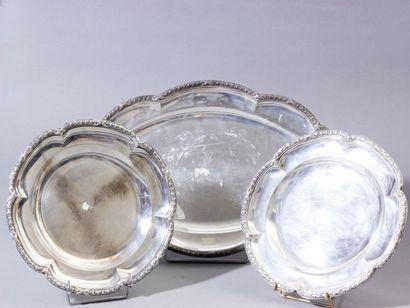 Ensemble de 2 plats ronds et un ovale en...