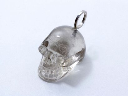 CHRISTIAN DUC Collection Pendentif en argent, retenant une Vanité en cristal de roche....