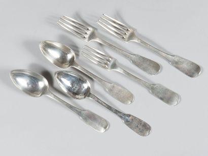 Lot de 18 fourchettes et 16 cuillers en argent...