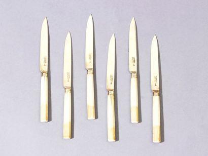 Série de 6 couteaux à fruits, les manches...