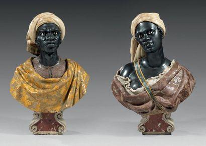 Importante paire de bustes en marbres ou...