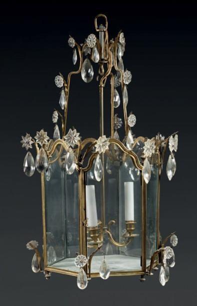 Belle lanterne en bronze ciselé et doré de...