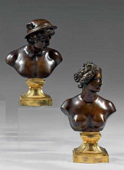 Paire de bustes en bronze ciselé et patiné...