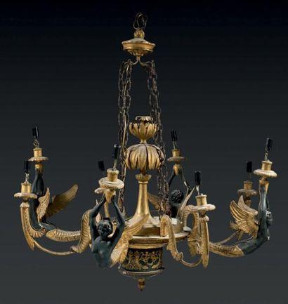 Lustre à huit lumières en bois sculpté ou...