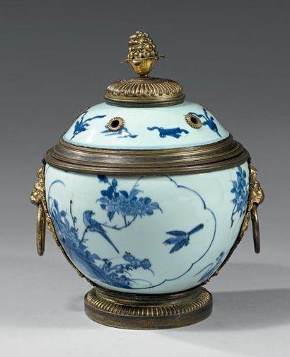 Rare pot-pourri en porcelaine de la Chine...