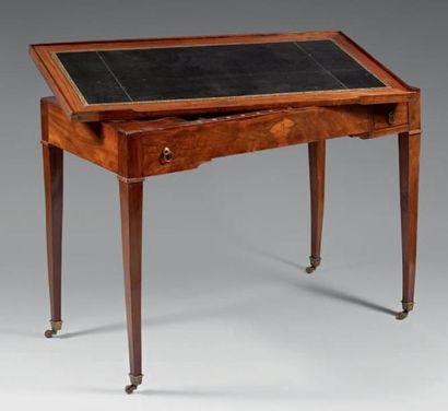 Table rectangulaire à jeu de trictrac en...