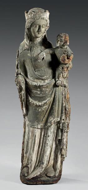 Vierge à l'Enfant en bois sculpté debout,...