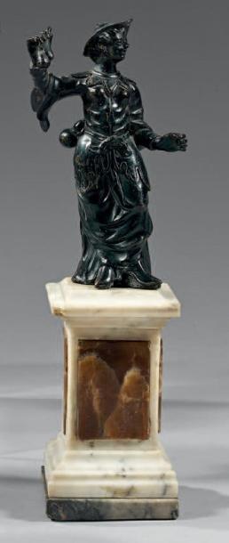 Statuette en bronze laqué noir représentant...