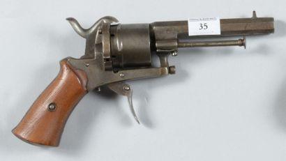 Revolver à broche, système Lefaucheux, calibre...