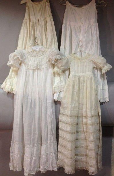 Deux robes de baptême, fin du XIXe siècle....