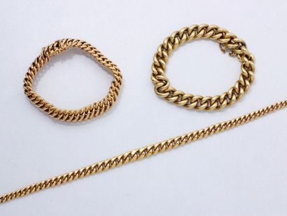 Lot en or 18 K composé de 2 bracelets et...