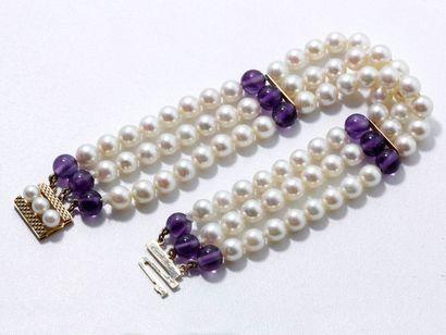 Bracelet composé de 3 rangs de perles de...