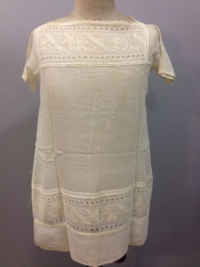 Robe d'enfant, vers 1920. Forme chasuble...