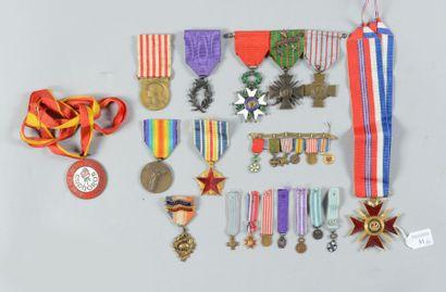 Lot de medailles et decorations: croix de...