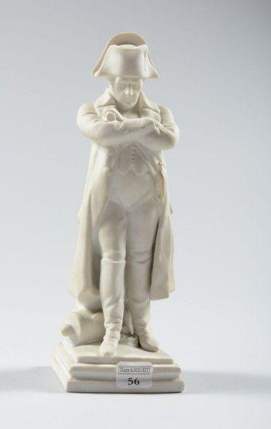 Napoleon en pied en biscuit, genre Sèvres,...