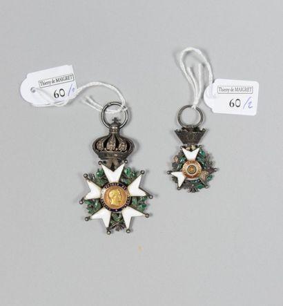 Une croix de chevalier de l'ordre de la Legion...