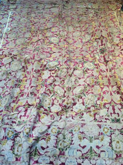 Tenture ou tapis de table en velours de soie,...
