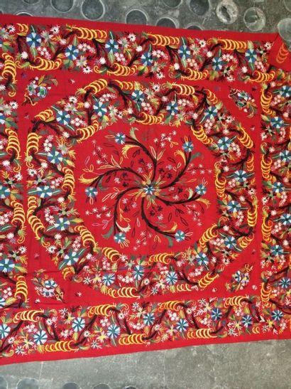 Châle ou tapis de table brodé, Turquie, XXe...